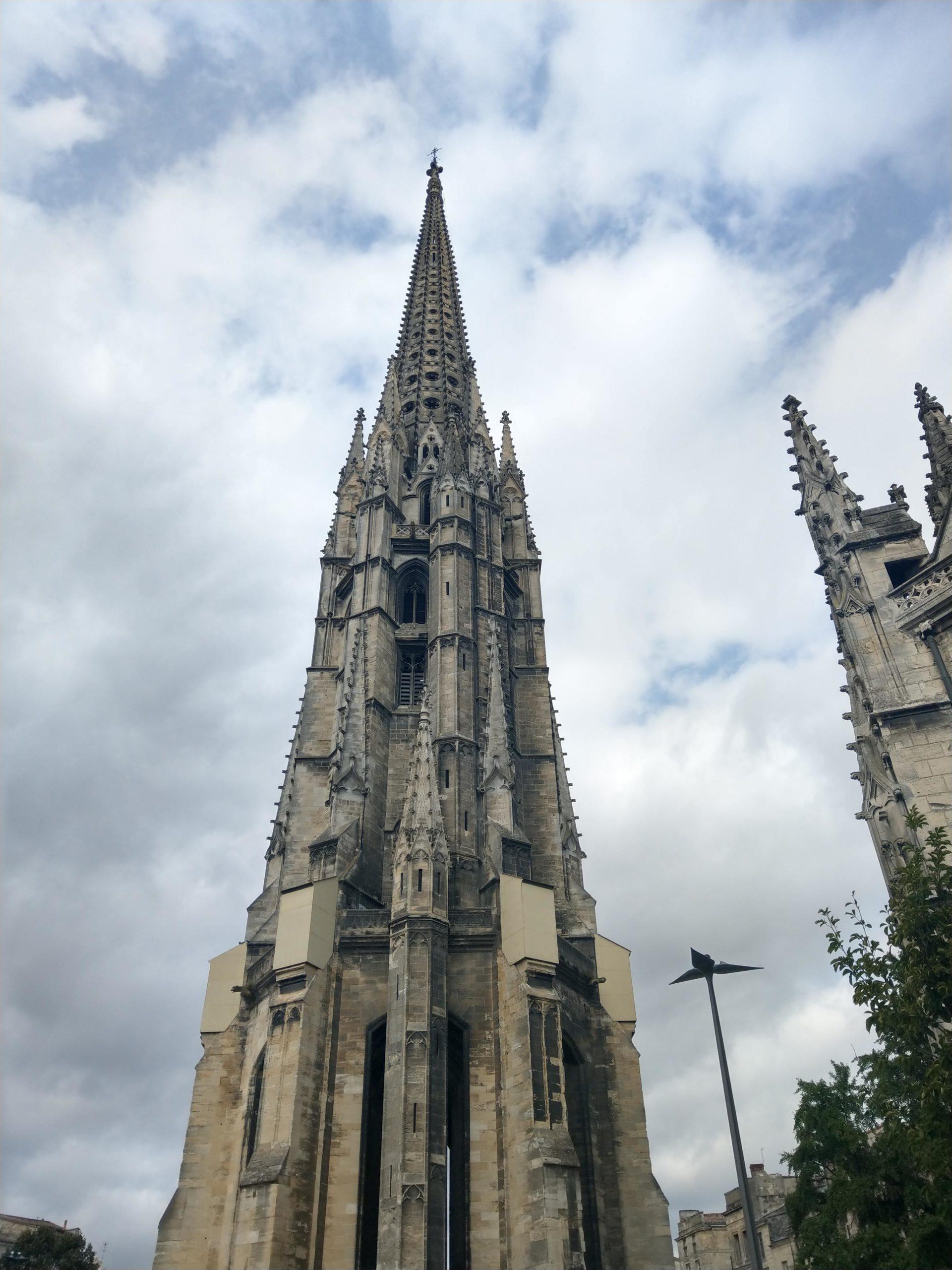 Le clocher de la Basilique Saint-Michel de Bordeaux