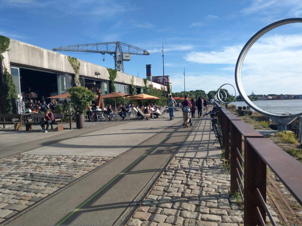 Le quai des Antilles et les anneaux de Burren, lieu de vie incontournable à Nantes
