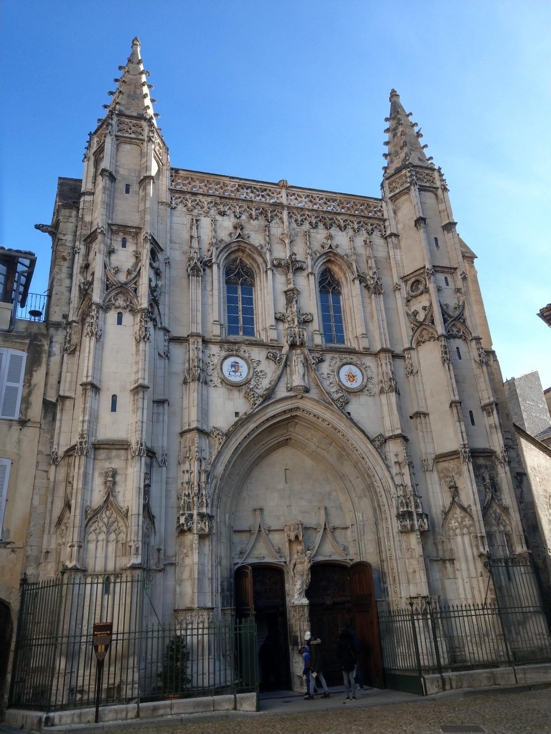 La Basilique Saint-Pierre dans le vieux Avignon