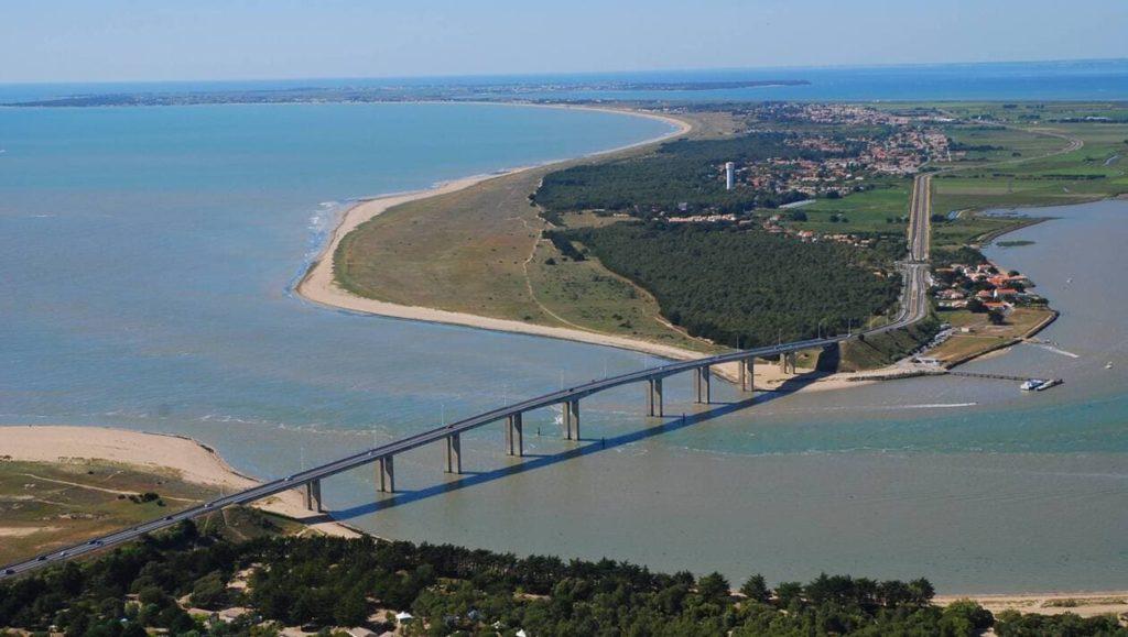 Vue aérienne du Pont de Noirmoutier