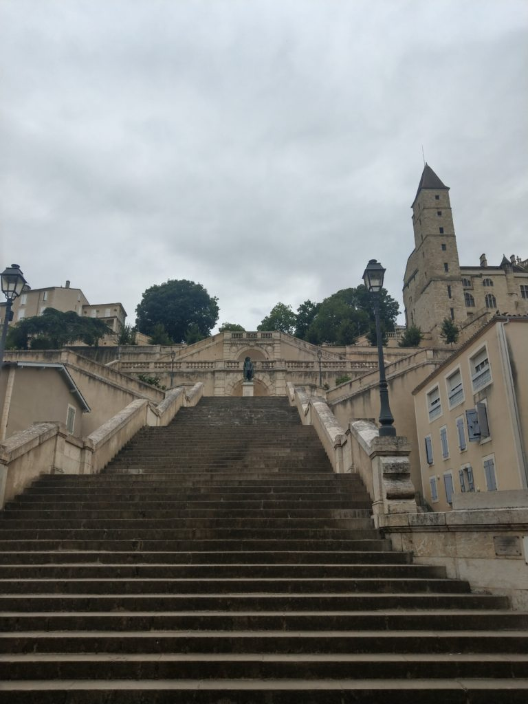 escalier monumental auch