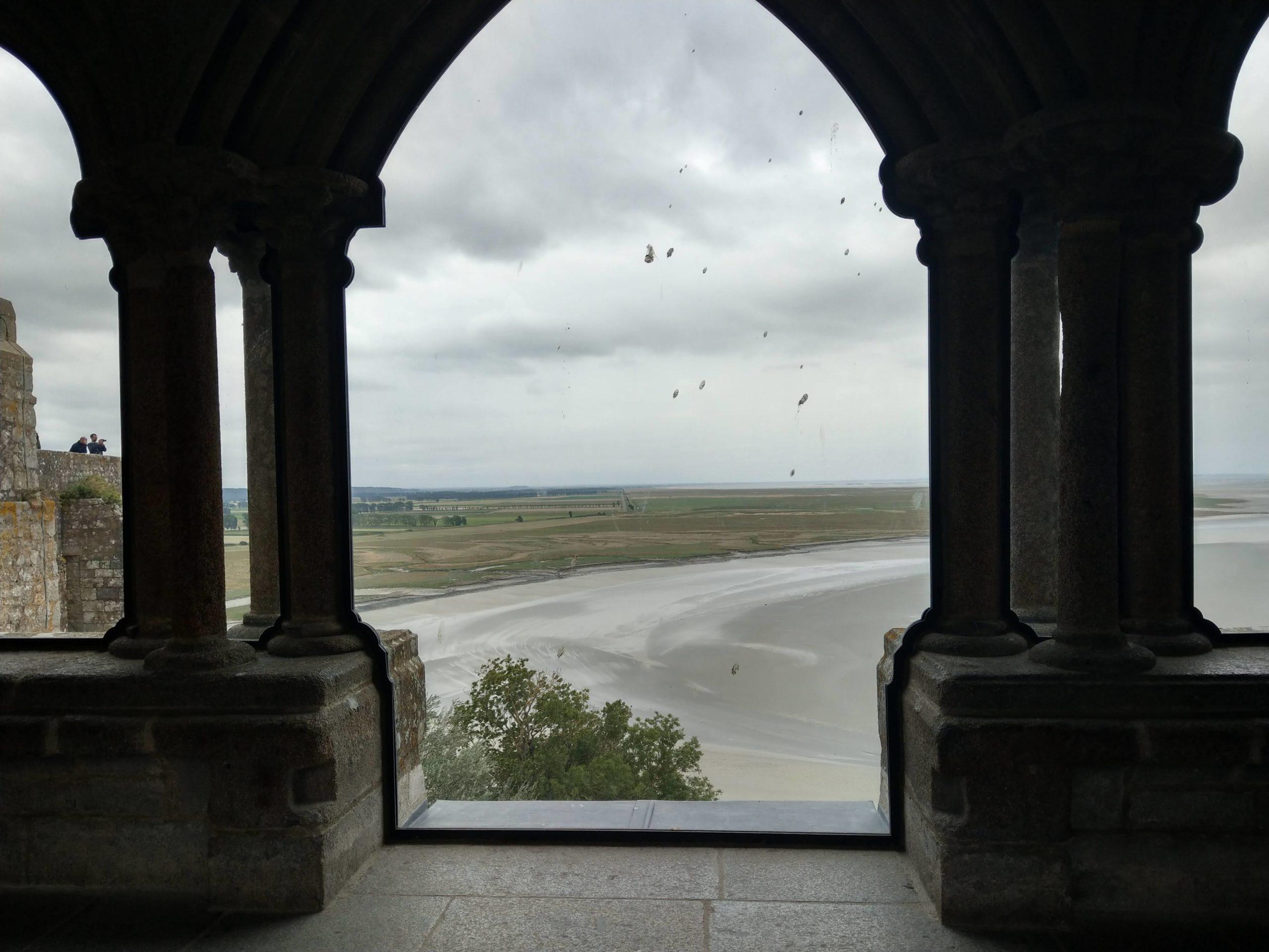 La vue depuis le cloitre du Mont Saint-Michel